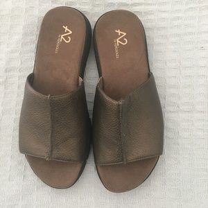 A2 Aerosoles Bronze Sandals Size 8